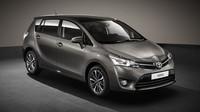 Omlazené Verso se dočkalo lepšího interiéru a balíčku Safety Sense, Toyota Verso.