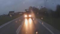 mikrospánek řidiče za volantem kamionu