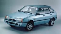 Součástí výbavy byla i litá kola se šesti paprsky, Lada Samara Baltic GL.