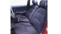 Větší sedadla s kvalitnějším velurovým čalouněním, Lada Samara Baltic GL.