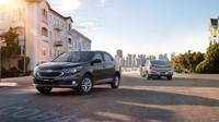 Nová je přední i zadní část, Chevrolet Cobalt Elite & Cobalt LTZ.