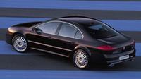 Dominantou zádě byly dvě koncovky výfuku, Peugeot 607 Pescarolo