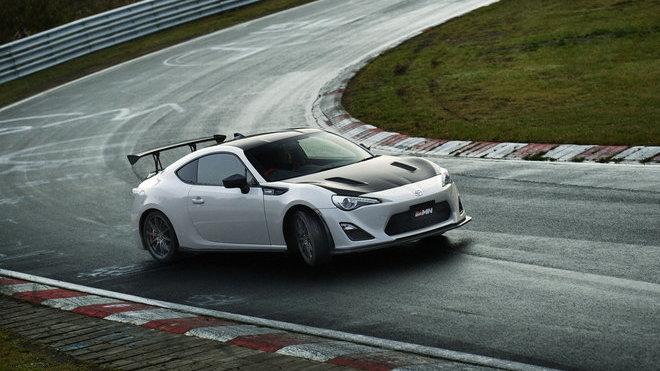 Vzhledem k váze 1230 kg a výkonu 219 koní je to ideální vůz na okruhy, Toyota 86 GRMN.