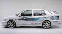 Z profilu je patrné, že vůz už má přední brzdové třmeny, Volkswagen Jetta by Jesse