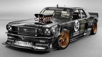 Ford Mustang z roku 1965 s výkonem 845 koní, přesně o tuto šílenost má Hamilton zájem