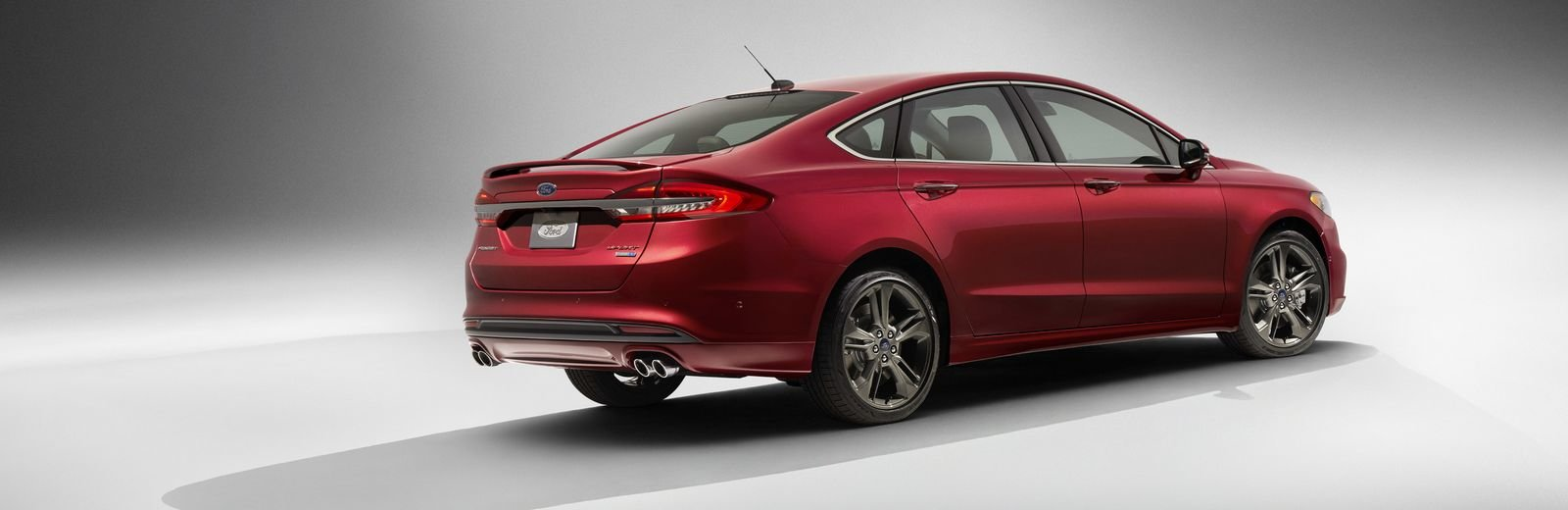 Ford Fusion V6 Sport.