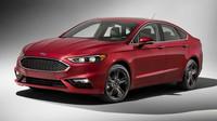 Ford řeší problém s pásy.