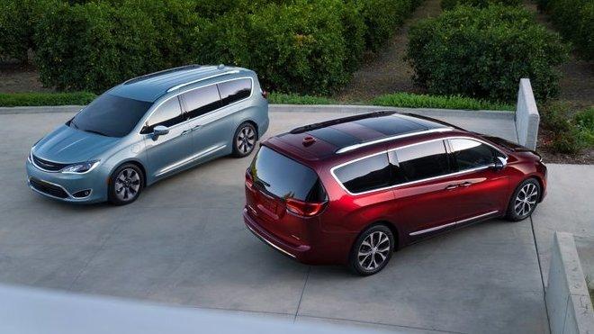 Chrysler Pacifica & Pacifica Hybrid nahrazují model Town & Country.