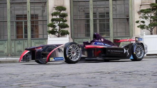 Že by elektrická formule zcela ovládla F1? (ilustrační foto)