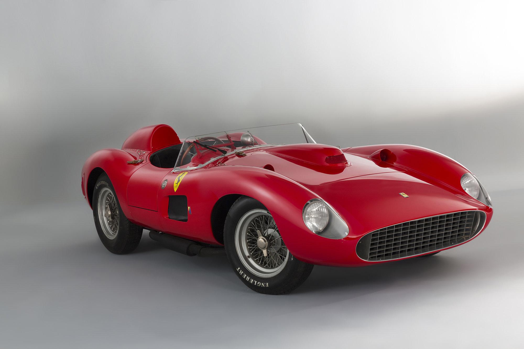 Ferrari 335 S Spider se stalo nejdražším kdy prodaným vozem na světě! - anotační foto