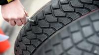 Měření při testech pneumatik do deště na trati Paul Ricard