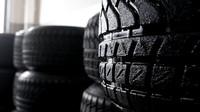 Pneumatiky Pirelli do deště odvádějí 65 litrů vody za sekundu každá