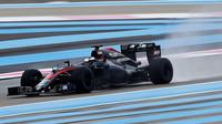 Druhý den testů nejrychlejší Vettel, Honda za zády McLarenu opět zlobila
