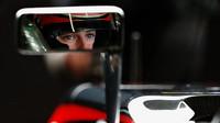 Stoffel Vandoorne v zrcátku svého McLarenu