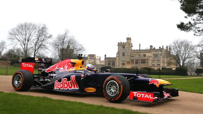 Daniel Ricciardo s Red Bullem RB8