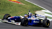 Jacques Villeneuve s Williamsem FW19 v Rakousku