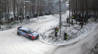 Hayden Paddon při cestě za druhým místem ve Švédsku