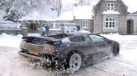 Lamborghini Diablo při řádění na sněhu