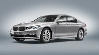 BMW 740e iPerformance je prvním modelem nově vzniklé značky pro plug-in hybridy.
