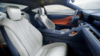Lexus LC500h je druhou verzí čtyřmístného kupé, v útrobách má 359 hybridních koní.