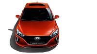 Hyundai Ioniq přichází také v elektrické verzi, ujede 169 kilometrů.