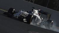 Bottas na trati v Barceloně s novým FW38