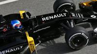 Jolyon Palmer s Renaultem RS16 v Barceloně