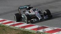 Lewis Hamilton s Mercedesem zvládá slušné množství kilometrů