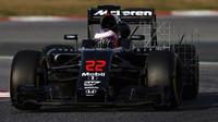 Jenson Button při měření aerodynamiky třetí den testů v Barceloně
