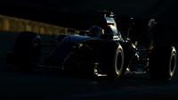 Carlos Sainz s novým vozem Toro Rosso STR11 - Ferrari