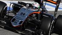 Alfonso Celis s novým vozem Force India VJM09 - Mercedes
