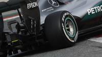 Difuzor a výfuk vozu Mercedes F1W07 Hybrid