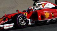Kimi Räikkönen při čtvrtečních testech v Barceloně