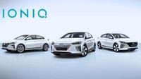 Hyundai Ioniq ve všech třech nabízených verzích - hybridní, plug-in hybridní a elektrické.