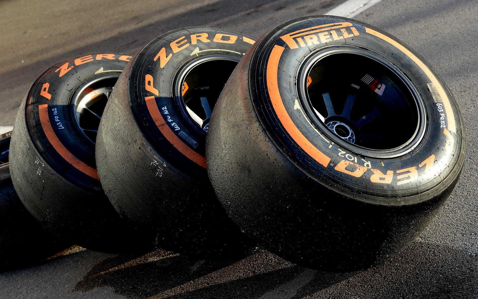 Pirelli do Británie přiveze kombinaci těch nejtvrdších pneumatik - anotační foto