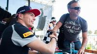 Autogramiáda týmu Toro Rosso, Max Verstappen v Melbourne