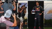 Daniel Ricciardo při focení v Melbourne