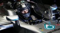 Nico Rosberg při pátečním tréninku v Melbourne