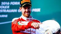 Sebastian Vettel se raduje z třetího místa v Melbourne