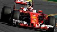 Kimi Räikkönen při závodě v Melbourne