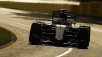 Lewis Hamilton při závodě v Melbourne