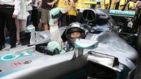 Nico Rosberg se raduje z vítězství v Melbourne
