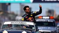 Daniel Ricciardo při předstartovní prezentaci v Melbourne