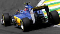 Felipe Nasr při závodě v Melbourne