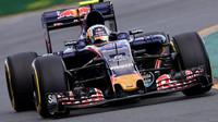 Carlos Sainz při závodě v Melbourne