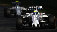 Felipe Massa a Valtteri Bottas při závodě v Melbourne