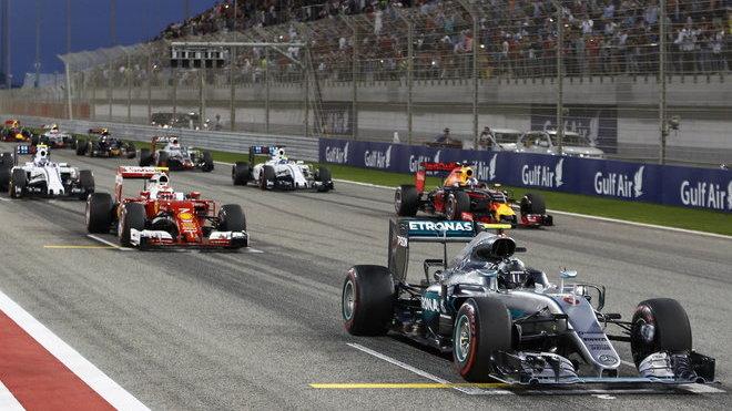 Nico Rosberg na startu Velké ceny Bahrajnu