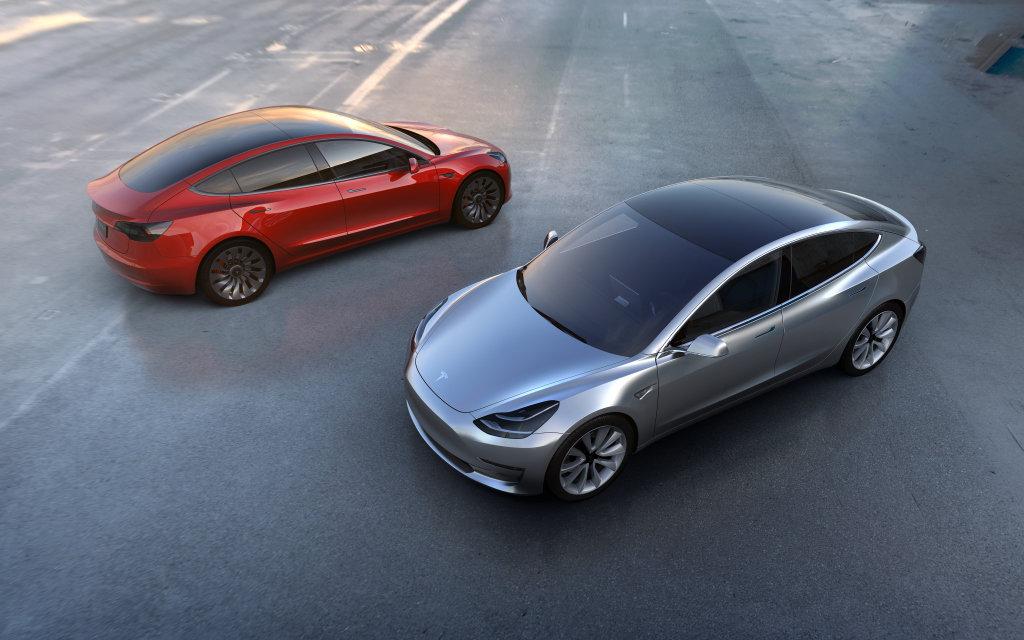 Model 3 americké automobilky Tesla Motors může být konečně použitelným elektromobilem.
