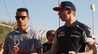 Pascal Wehrlein a Max Verstappen před závodem v Bahrajnu