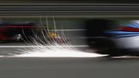 Jiskření v závodě v Bahrajnu